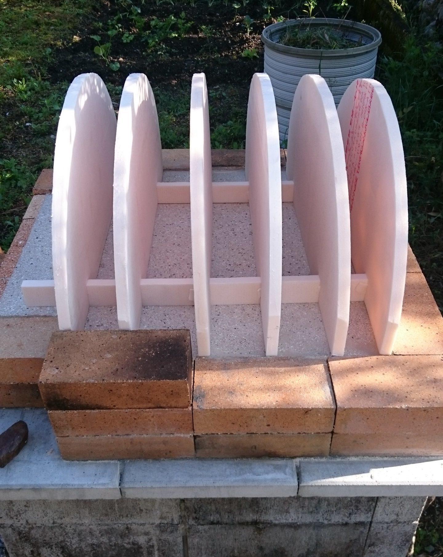 ピザ窯アーチの製作治具