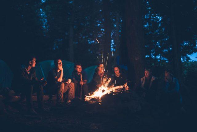 キャンプ 暇つぶし 夜